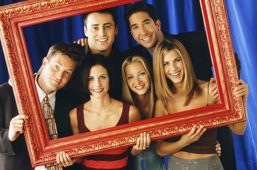 Friends' Cast Sing Mariah Carey's 'All I Want For Christmas